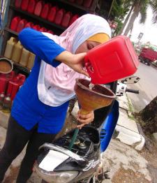 bensin-eceran-ist-hirangputihhabangWP