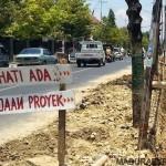 Gerindo, Soroti Proyek Rp 800 Miliyar Didepan Kantor Bupati
