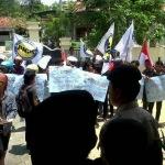 Lagi-Lagi Sampang Di Goyang Demo, Ada Apa!!?