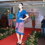 Kebaya dan Tenun Nusantara (fashionpromagazine.com)