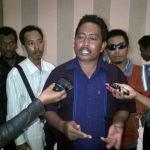 Ketua panitia pilkades poteran, Ahmadi  saat melaporkan  salah satu anggota dewan Sumenep ke BK DPRD. (Ferry/MaduraExpose.com)