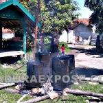 pembakaran Aspal yg di padamkan Warga RT 01 RW 01 kelurahan Gunung Sekar (Slamet/MaduraExpose.com)
