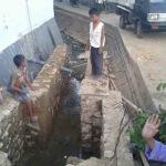 Inilah proyek irigasi siluman yang di hentikan paksa oleh warga Desa Kolor, Kec.Kota Sumenep. (Day/MaduraExpose.com)
