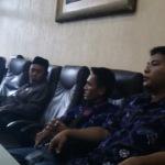 Rahmat Hidayat dan Didik Heryanto saat mengadukan kasus dugaan pembajakan hak cipta ke DPRD Sumenep beberapa waktu lalu (Istimewa)