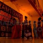 Sweety Model's Sumenep saat mengibur pengunjung usai pemberian santunan anak yatim oleh Azam'i Center . (Dok/MaduraExpose.com)