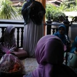 Wafiqah Jamilah alias Nyai Mila dalam ceramah maulid di Kolor Sumenep (Dok/MaduraExpose.com)