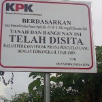 Jokowi Nonaktifkan Abraham, KPK Sita Kantor Gerindra Bangkalan