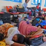 Puluhan Penumpang Terlantar di Pelabuhan Kalianget