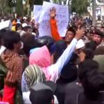 Demo Raskin, Warga Guluk-Guluk Desak Kejari Segera Tangkap Kades Ikbal