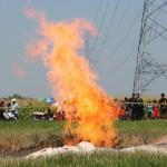 Di Pragaan Sumenep, Galian Sumur Menyemburkan Api