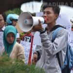 Unras Mahasiswa STKIP: Pemecatan Musaheri Cacat Prosedur