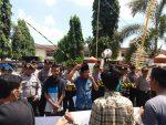 DBH Migas Tak Jelas, Bupati Sumenep Digoyang Aksi Unjukrasa Geramsi