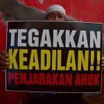 Yang Berwenang Memberhentikan Ahok Itu Jokowi, Kenapa Tjahjo Pasang Badan?