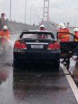 Mendadak, Mobil Liter B Terbakar di Suramadu