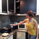 Desain Dapur Minimalis Multifungsi untuk Memasak Lebih Efisien