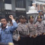 Mahasiswa Demo Kejari Tuntut Segera Tetapkan Tersangka PT WUS