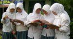 """""""Ibu Madrasah bagi Anak, Ayah Kepala Sekolahnya"""""""