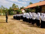 Danramil dan Batuudramil Bluto Beri Wasbang pada Siswa SMP dan SMK