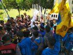 PMII Demo Pemkab dan DPRD