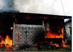 Rumah Terbakar, Warga Sumenep Nyaris Terpanggang