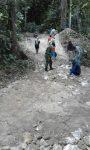 Babinsa Kangean Karya Bhkati Jalan Kampung