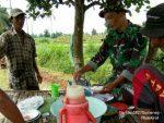 Kebersamaan Babinsa Ganding, Wujudkan Kemanunggalan TNI - Rakyat