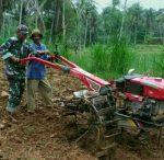 Bantu Petani Wujud Babinsa Rubaru Meningkatkan Ketahanan Pangan