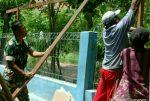 Babinsa 0827/ 23 Giligenting Laksanakan Komsos Sembari Bantu Warga