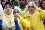Muslimah Swedia yang Tolak Bersalaman Menangkan Gugatan