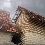 Balak Taon Mengamuk, Belasan Rumah di Desa Moncek Timur Rusak